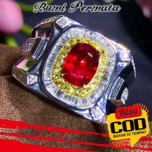 Cincin Platinum Lapis Emas 18R Hias Kristal Berlian Rubi Untuk Pria Wanita 2